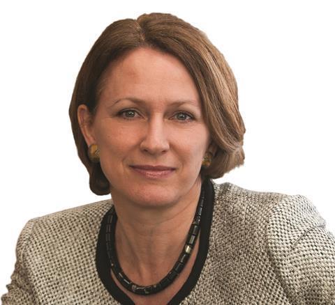 Inga Beale, Lloyd's