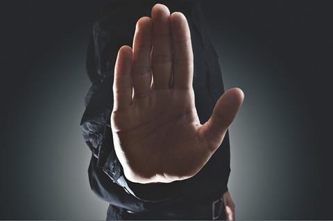 I stock halt hand 620x413