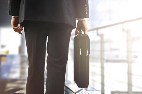 Top 50 broking boss to retire
