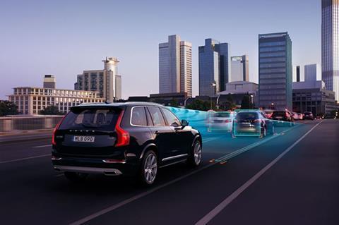 Volvo, Uber to pilot autonomous taxis